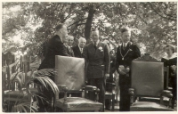 Prins Bernhard met burgemeester Schoemaker.
